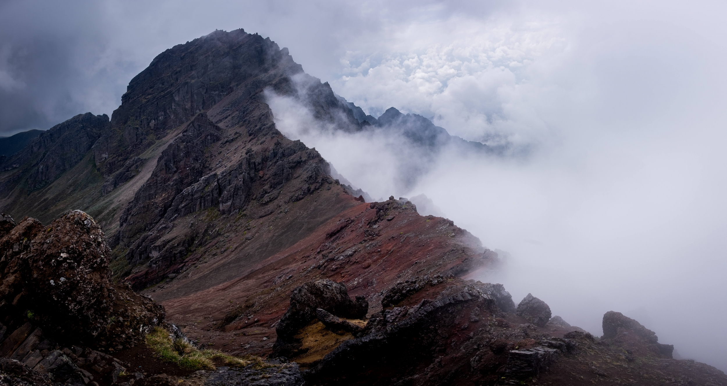 Rumiñahui, Cotopaxi, refuge, trekking, EcuadorR