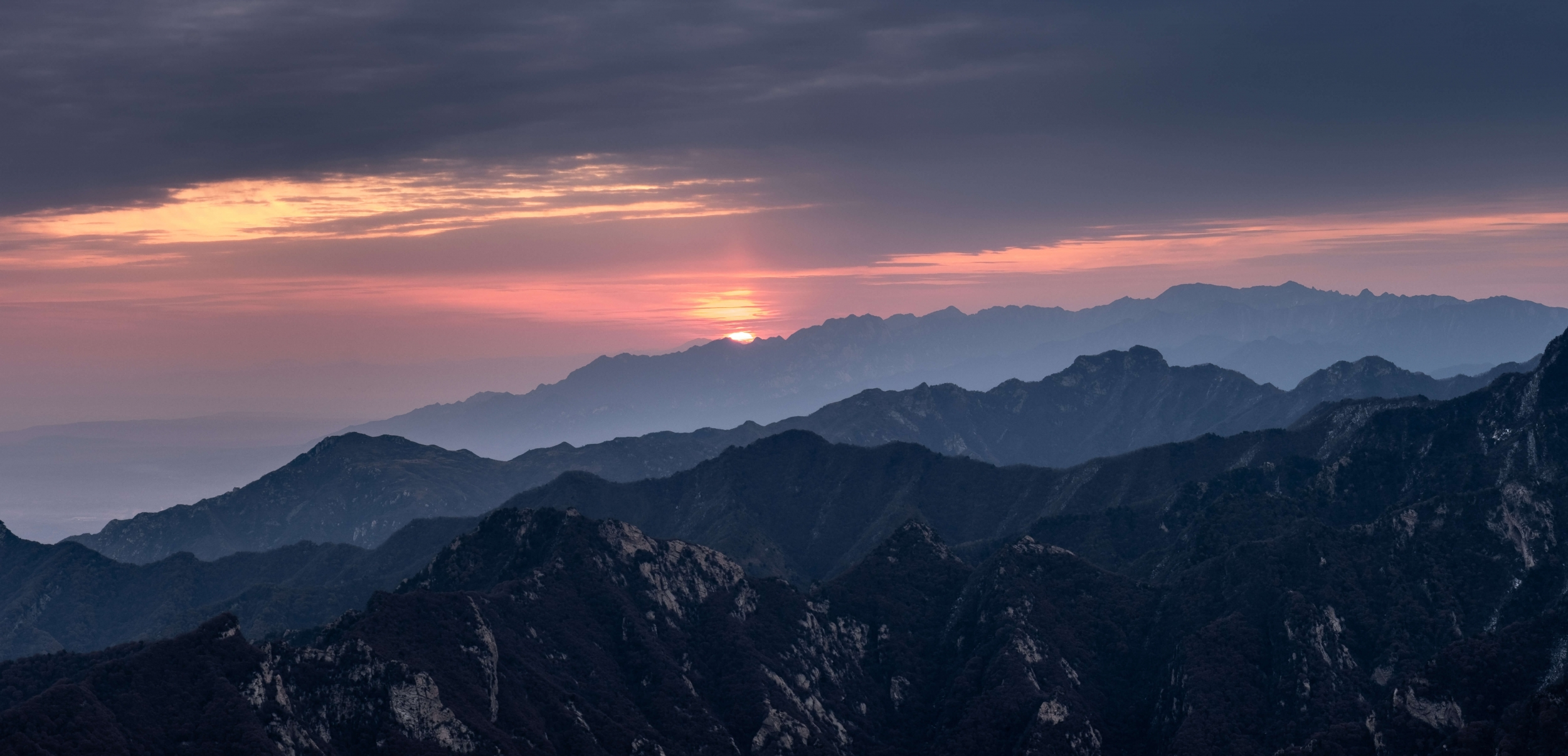 Sunrise Huashan, Travel in China, China travel, China trips, Forbidden City, Beijing, Photo Tour in China, China photo tours, Xi'an, Muslim district in Xi'an, Terracotta army, Huashan