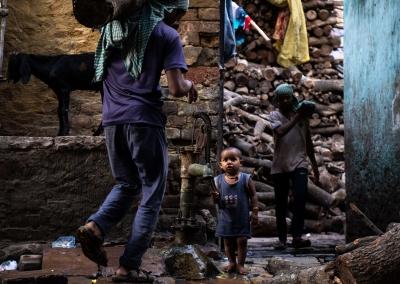 Kid in the streets of Varanasi