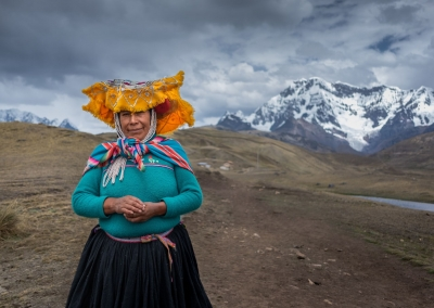 Quechua-woman-ausangate-portrait