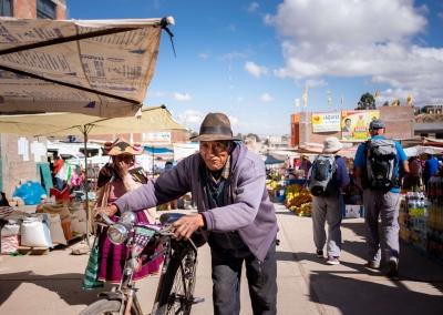street-life-titicaca-llachon